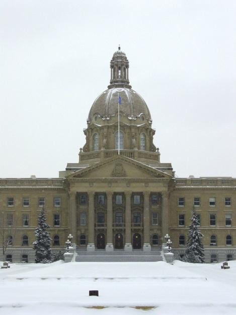 alberta-legislature-1626401-639x853